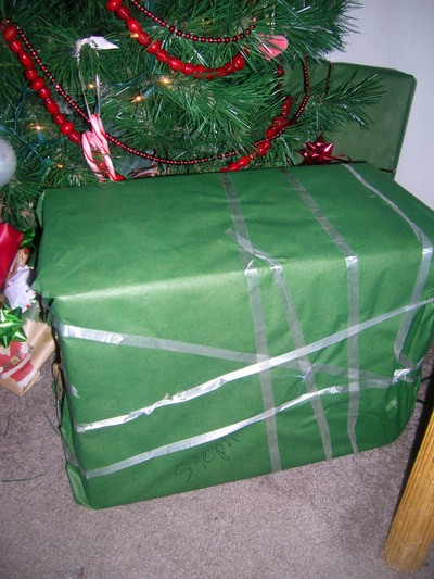 Bens_great_christmas_wrapping_skillz_3